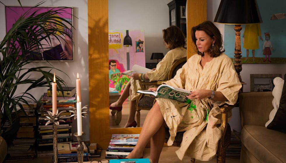 SMYKKESUKSESS: Gunilla Sterud har lager populære smykker samtidig som hun er lærer og alenemamma. Foto: Privat.
