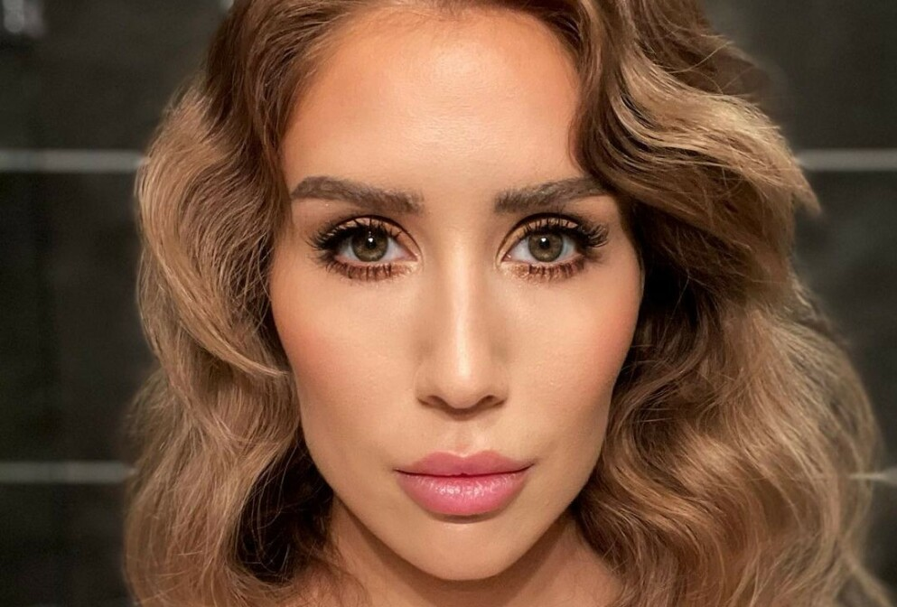 BEAUTY HACKS: Vi har spurt makeupartistene om å dele sine beste tips og triks! FOTO: Instagram @rmabeauty