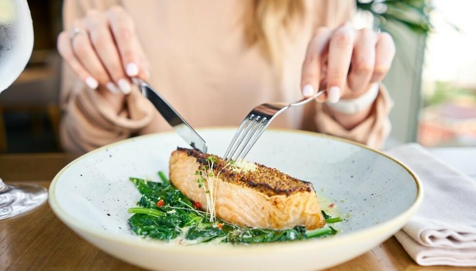 FISK: Fet fisk er en god kilde til vitamin D. FOTO: NTB