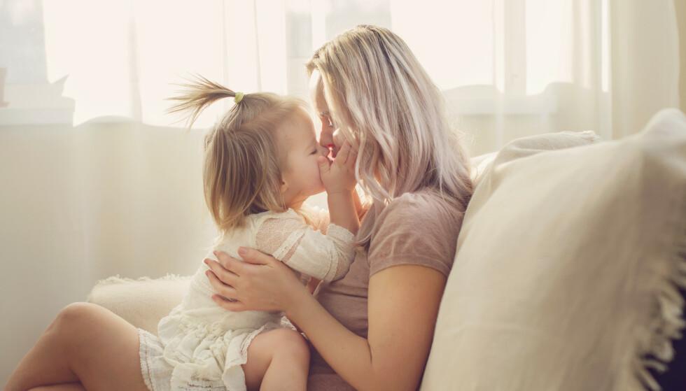 HAR BARNA ANNENHVER UKE: Mange single mødre har barna sine annenhver uke, og det kan også påvirke at arbeidsmengden blir mindre. FOTO: NTB