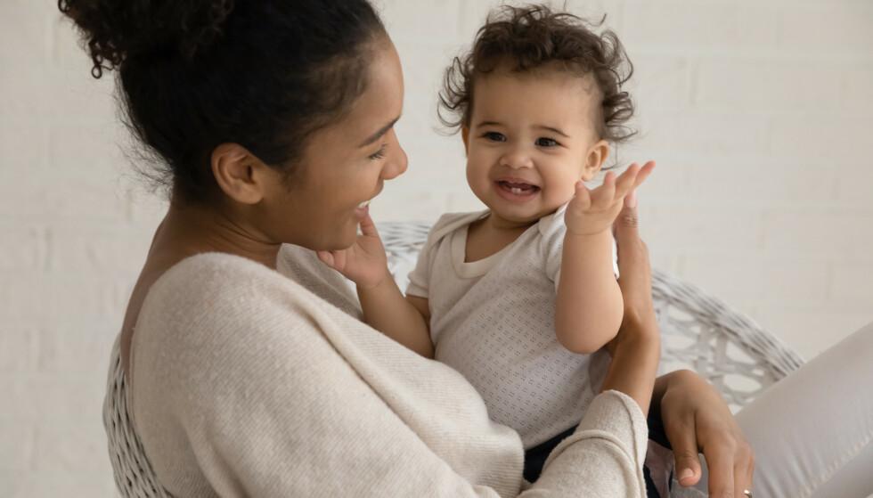 FÅR FÆRRE BARN: Trenden er at kvinner i Norge er eldre når de får barn, og at de får færre barn. FOTO: NTB