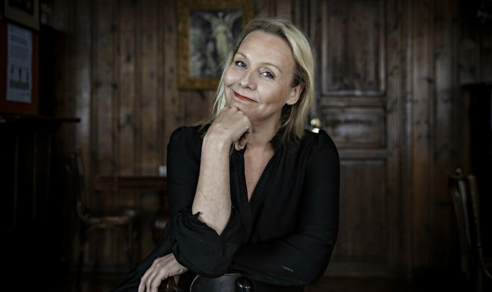 LINN SKÅBER: Den populære skuespilleren og komikeren Linn Skåber er blitt singel igjen, etter fem år i forhold med bassist Simon Malm. Her fra et intervju med Dagbladet i forbindelse med boken «30 dager i april», som Linn skrev i 2020. FOOTO: Jørn H Moen / Dagbladet