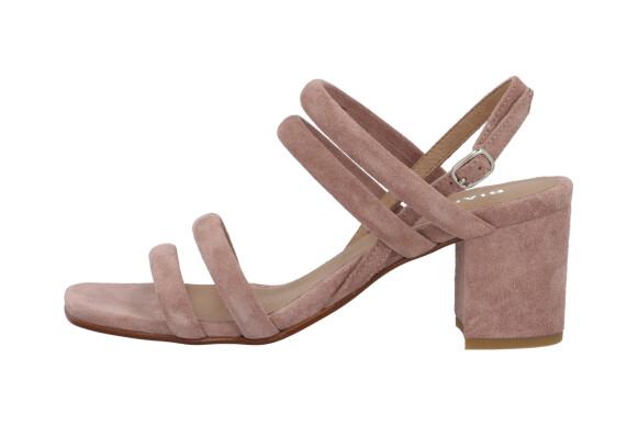 Høyhælte sandaler (kr 1000, Bianco).