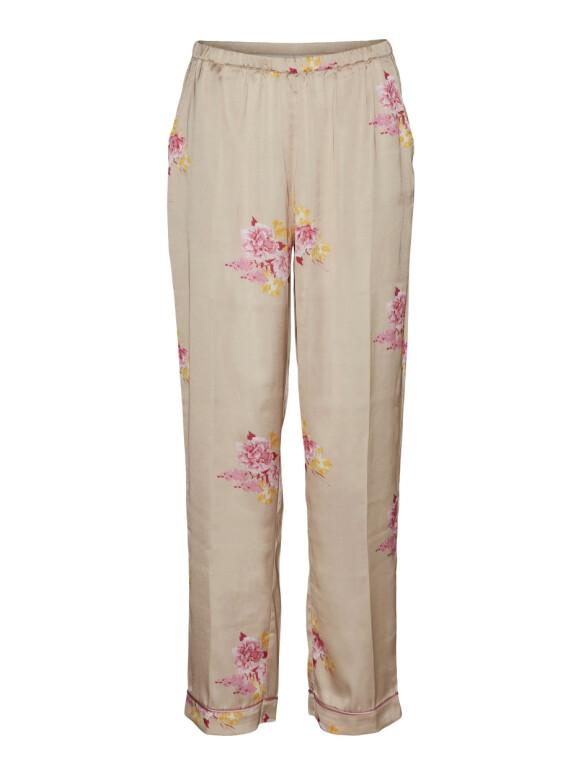Bukse (kr 600, Vero Moda).