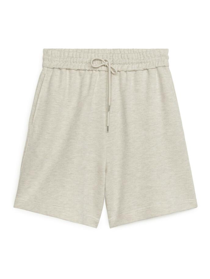 Shorts (kr 350, Arket)