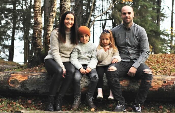 SAMMEN MED FAMILIEN: Silje, Max, Mille og Espen, kort tid før Silje fikk kreftdiagnosen. Foto: Privat
