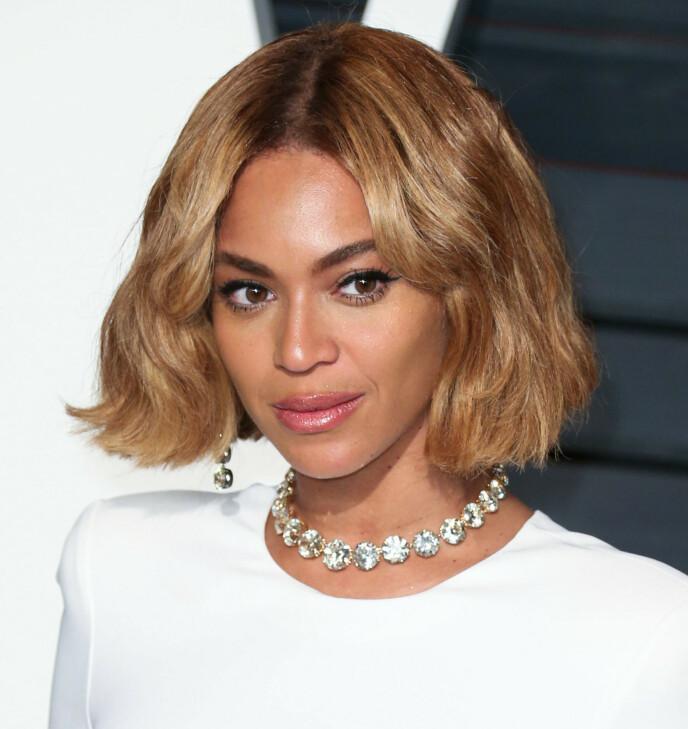 BOB ELLER LOB: Gjør som Beyoncé her, la litt av lengden gå for å få et ungt uttrykk. Foto: NTB