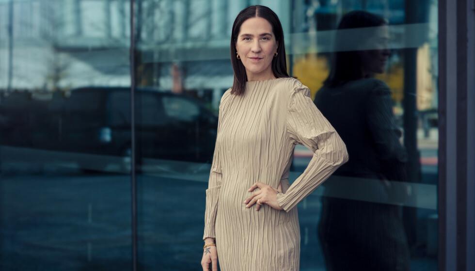 Ida Elise Einardottir, påtroppende mote- og skjønnhetsansvarlig i KK, mener det er på høy tid at Fenty Beauty lanseres i Norge, og at det har endret skjønnhetsverden. FOTO: Astrid Waller.