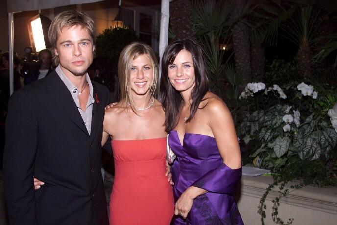 DEN GANG DA: Brad Pitt og Jennifer Aniston var gift i perioden 2000 til 2005. Han var med i én episode av Friends i 2001, og var god venn med konas motspiller Courteney Cox. Her fra Emmy-prisudelingen høsten 2000. FOTO: NTB