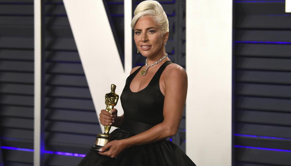 VOND PERIODE: I dokumentarserien forteller Lady Gaga at hun var gjennom en av sine tøffeste perioder mentalt sett, samtidig med at hun van Oscar for beste låt med låten 'Shallow' i februar 2019. FOTO: NTB