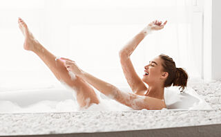Ny TikTok-trend: Kvinner bruker sandpapir for å barbere leggene