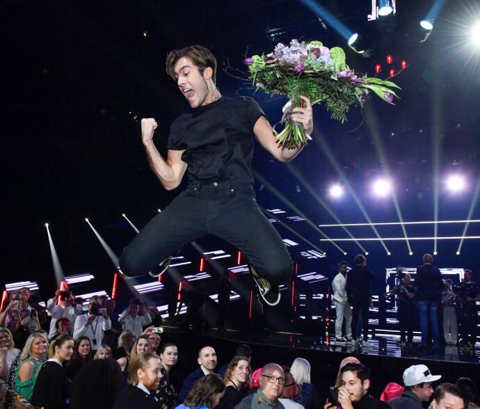 SÅ GLAD: ... ble Benjamin Ingrosso da han vant svenske Grad Prix i 2018, og fikk representere Sverige i Lisboa. FOTO: NTB