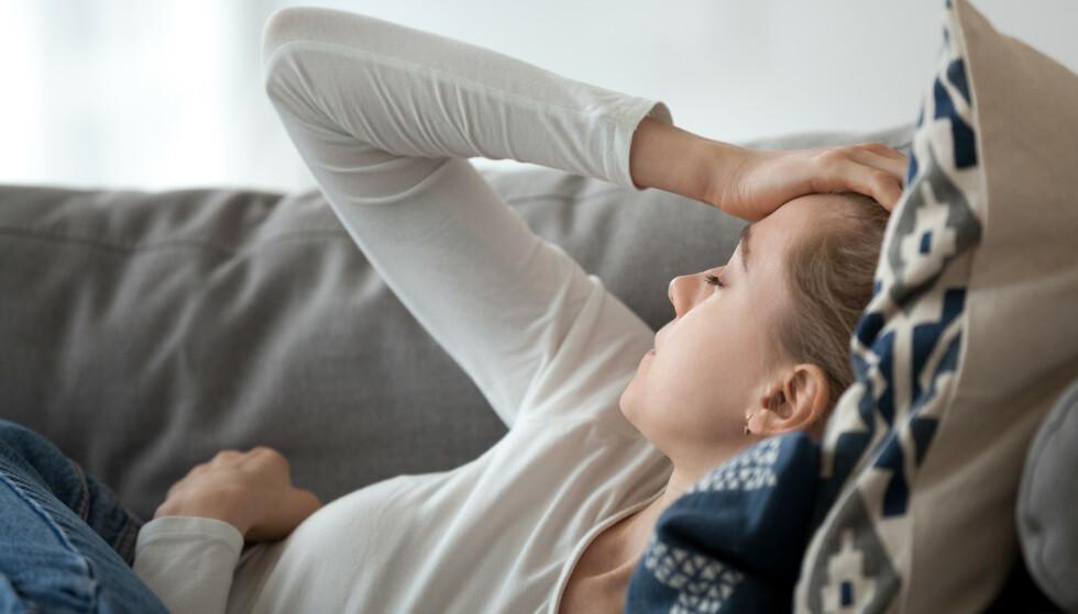 TA EN PIN-TEST: Dersom pasienter svarer ja på 2 av 3 av spørsmålene i testen gir det 93 prosent sannsynlighet for at det dreier seg om en migrene. FOTO: NTB