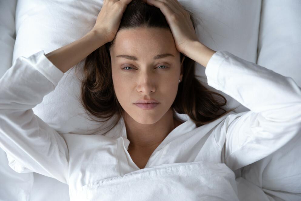 MIGRENE: Så mange som 14,5 prosent av verdens befolkning har en aktiv migrene - og det er langt flere kvinner enn menn. FOTO: NTB
