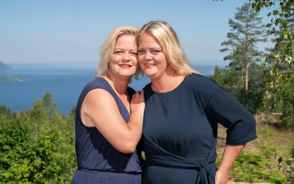 SOMMERHYTTA: Tvillingsøstrene Trine og Trude Rishaug Lium kjemper om å stikke av gårde med den selvlagde hytta i TV-konseptet Sommerhytta på TV 2. Søstrene har et svært nært forhold. FOTO: TV 2