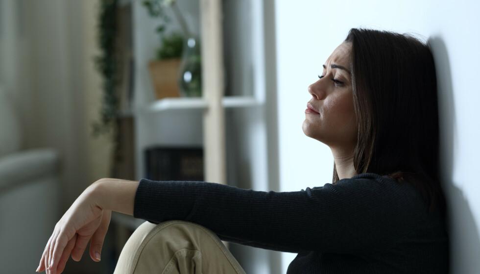 KJÆRLIGHESTSORG: Hvor lang tid tar det å komme over en man helst vil være sammen med? Psykolog Frode Thuen mener det finnes en grense for når den altoppslukende kjærlighetssorgen bør gå over - hvis ikke bør man søke hjelp. Foto: NTB