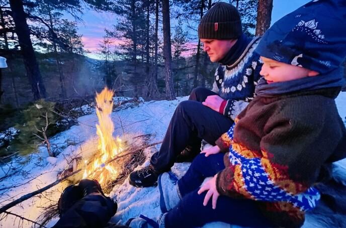 LEVER UTE: Turen startet i mars og de håper å være fremme på Nordkapp i desember. FOTO: Privat