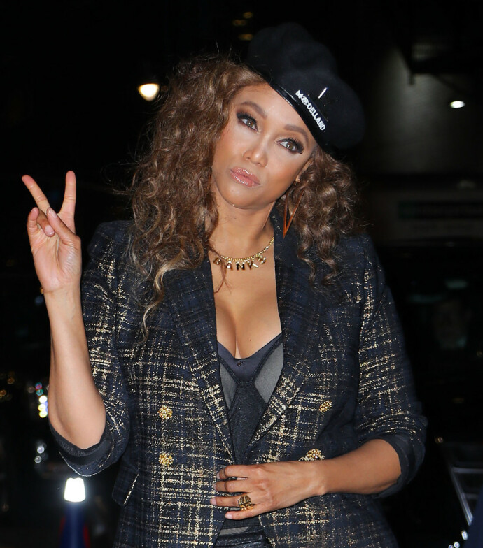 HAVETS FARER: Tyra Banks røper at hun er redd for delfiner. Her fra The late show with Stephen Colbert. FOTO: Jo Robins/ACE Pictures/Shutterstock/NTB