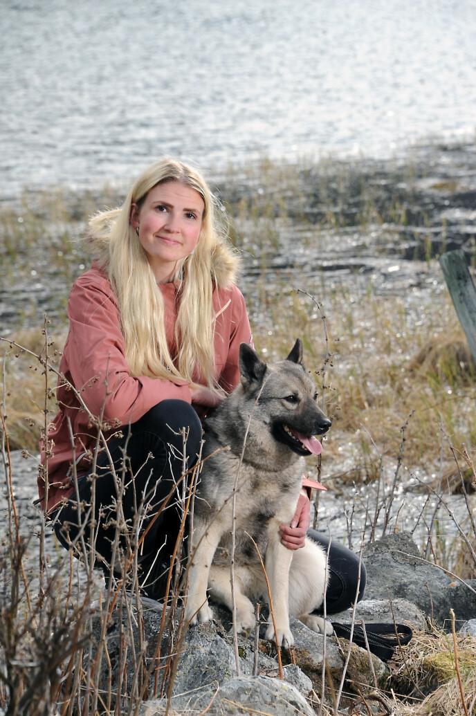 VENN: Da Hege måtte slutte med håndball, gikk alt i svart. Så oppdaget hun farens hunder. FOTO: Marianne Otterdahl-Jensen