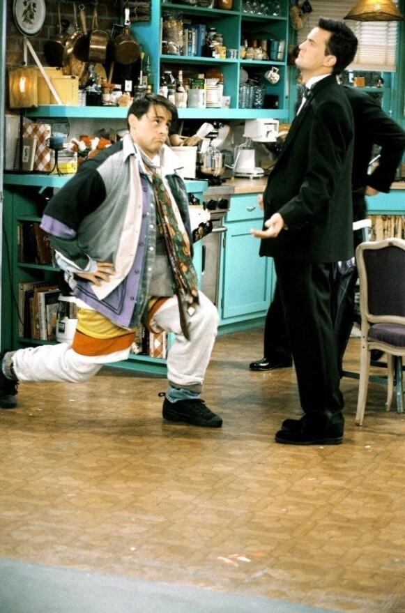 KLASSIKER: Denne scenen fra «Friends» har – tro det eller ei – vært til inspirasjon motemessig for mange. FOTO: Warner Bros