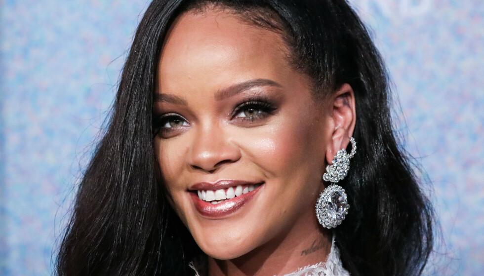 RIHANNA: Rihanna sitt bilde i Vogue får folk til å sammeligne henne med Joey fra Friends. FOTO: NTB