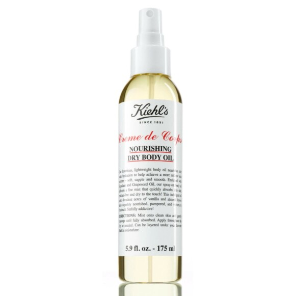 Denne tørroljen er beriket med oljer fra grapefruktkjerner og squalane som raskt trekker inn i huden. Dufter av vanilje og mandel. Kiehl's Nourishing Dry Body Oil 175ml kr 375 hos Gimle Parfymeri.