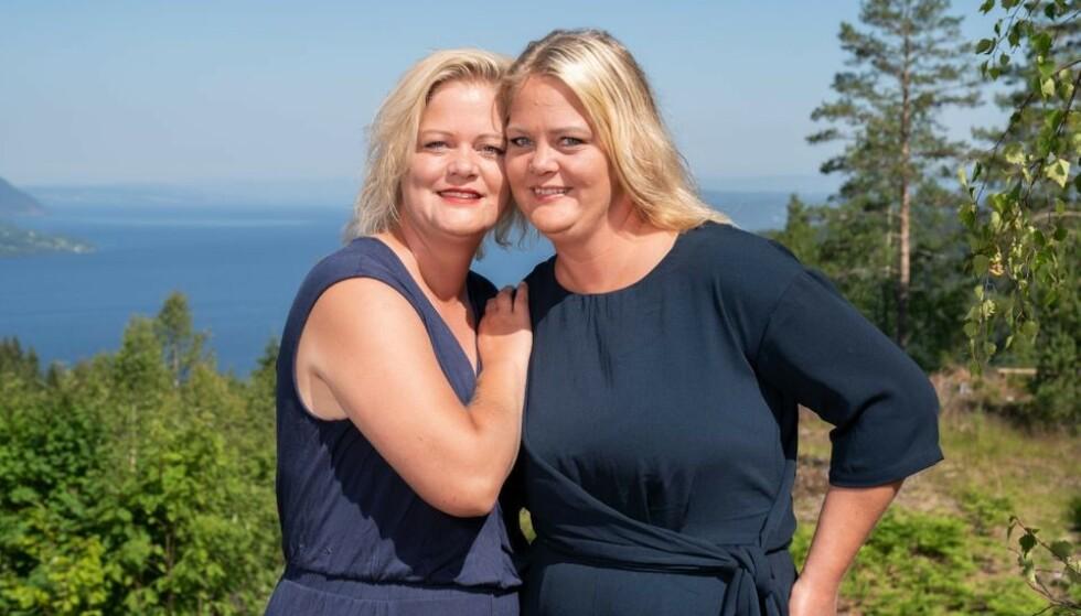SOMMERHYTTA: Tvillingene Trine og Trude sier til KK at de reagerer på ferdighetsforskjellene i konkurransen. Om en knapp uke er det finale - men mye kan skje før den tid når flere gullhammere skal deles ut. FOTO: Espen Solli // TV2