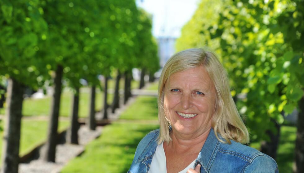 STOR FAMILIE: Dagrun Waag Linchausen bor i Bergen. Hun har fem barn og to bonusbarn. Til sammen har hun og ektemannen ti barnebarn. FOTO: Marianne Otterdahl-Jensen.