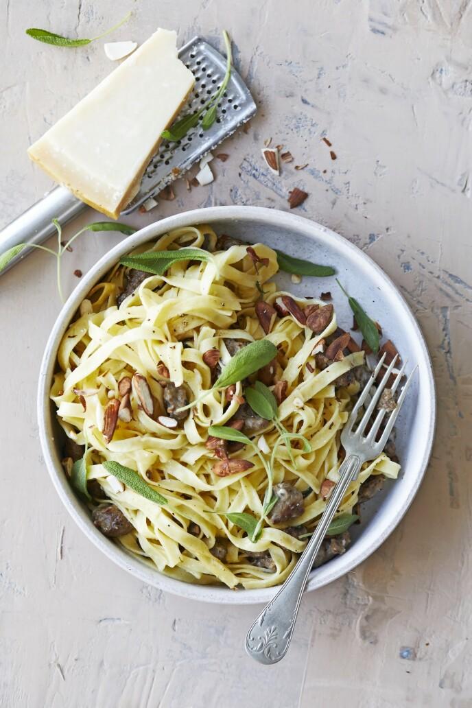 Salsiccia er en italiensk pølse som du kan finne i større matbutikker og delikatessebutikker. FOTO: Winnie Methmann
