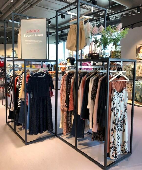 BRUKT I BUTIKK: Slik ser det ut når brukte klær har fått plass i butikk på Lindex på Byporten i Oslo sentrum. FOTO: LINDEX