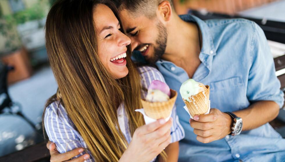 HUMOR ER VIKTIG: En ny studie viser at kvinner liker menn som er morsomme og fysisk attraktive, men hvor viktig er egentlig intelligensen til en potensiell partner? FOTO: NTB