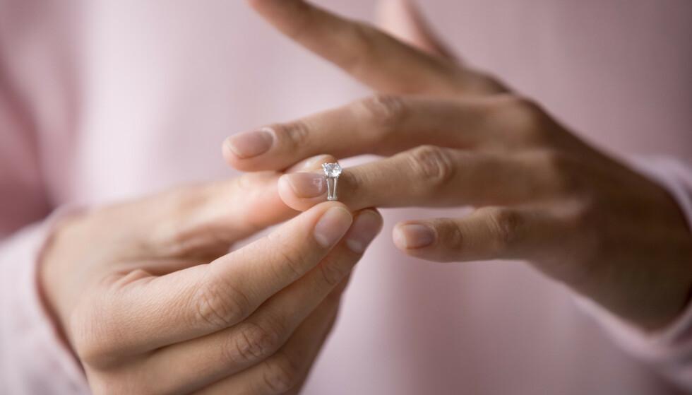 LIVET ENDRER SEG: - Det er mange prosesser man skal igjennom sammen og hver for seg, sier sexolog om eldre par som sliter med samlivet. FOTO: NTB