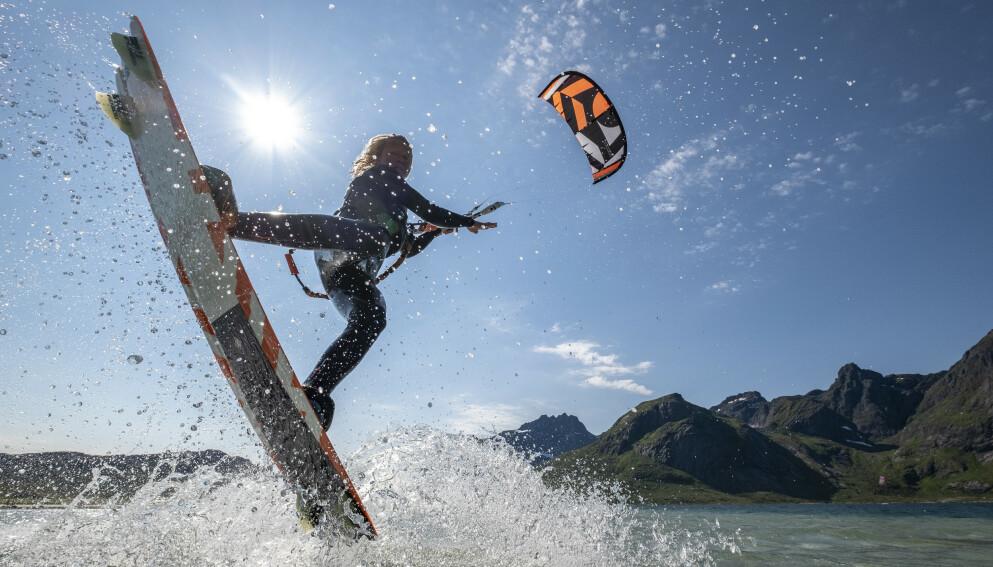 KITEDRØM: Da Kari så en film om kitere, ble hun besatt av ideen om å prøve det selv. FOTO: Tommy Simonsen