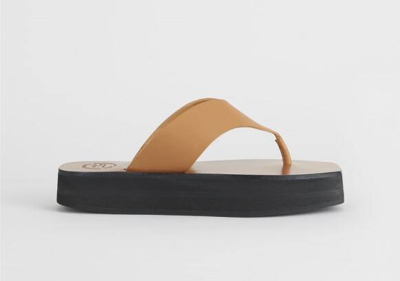 Flip flops (kr 1840, Atp Atelier).