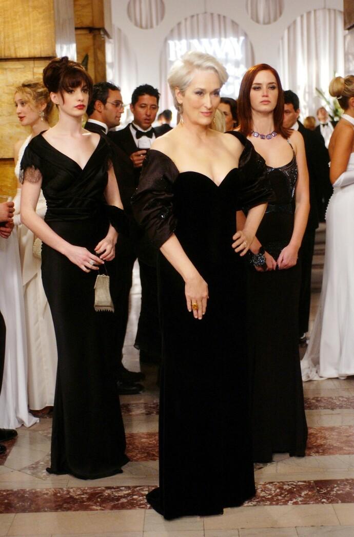 FASHION TRIO: Meryl Streep, omgitt av Anne Hathaway og Emily Blunt i The Devil Wears Prada. FOTO: Moviestore/REX/ NTB
