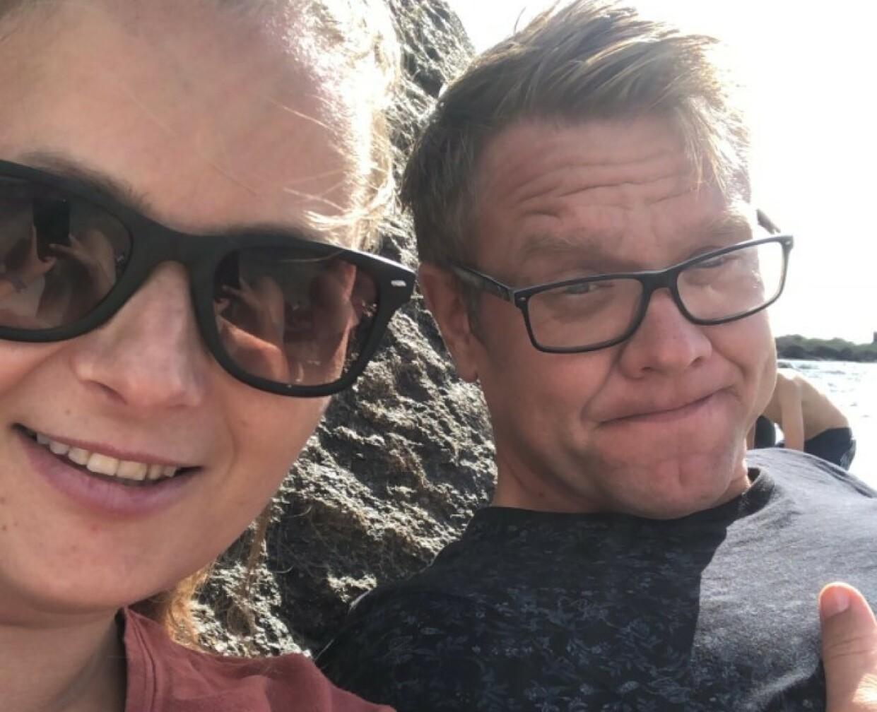 IKKE REDDE FOR Å LÅNE BORT: Eva Eline og Morten er spente på hvordan det vil gå, men sier de ikke redde for at familiene som skal låne huset vil gjøre skade. FOTO: Privat