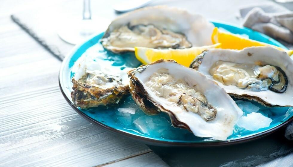 TILBEHØR: Sitron og tabasco er vanlige tilbehør til østers. FOTO: NTB
