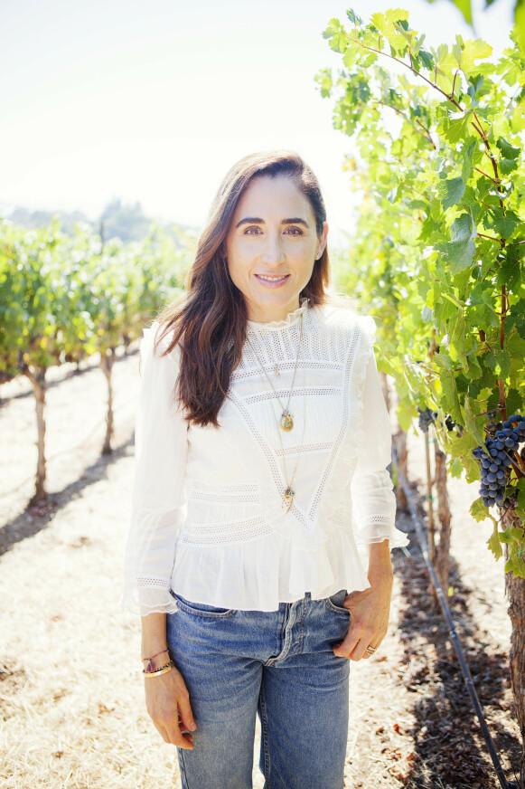 FRA VIN TIL HUDPLEIE: Bakgrunnen fra vinlaging i Napa Valley i California i USA har April tatt med seg inn i hudpleieverdenen. FOTO: PRIVAT
