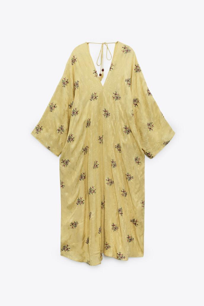 Gul kjole (kr 750, Zara).