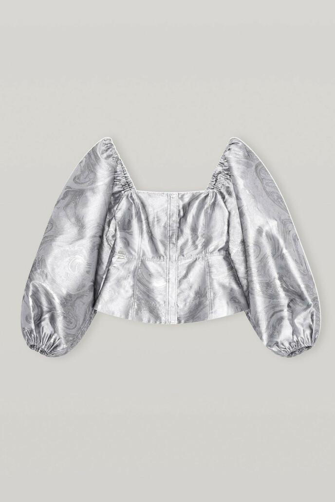 Sølvfarget bluse (kr 2095, Ganni).