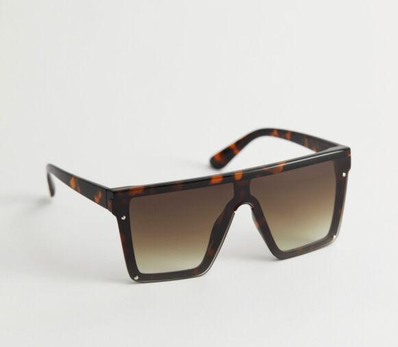Store solbriller (kr 350, & Other Stories).