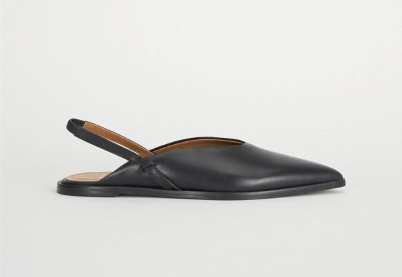 Flate sko (kr 2320, Atp Atelier).