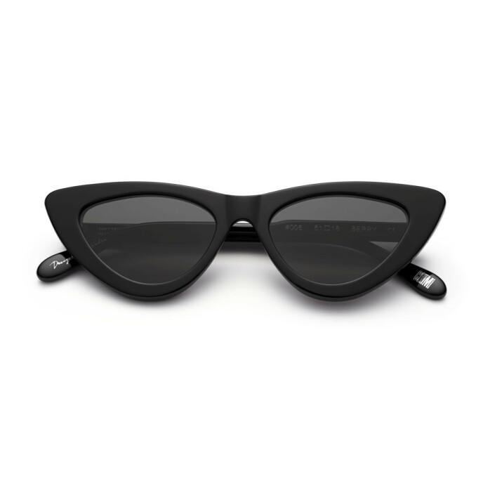 Cateye-solbriller (kr 1000, Chimi/ensemble.no).