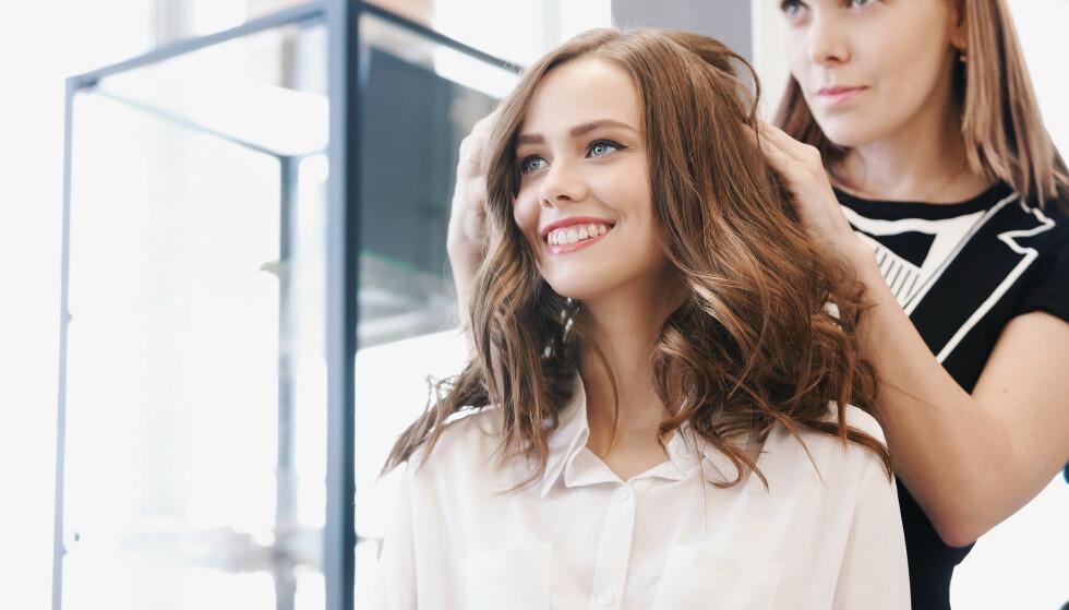 HÅRTRENDER: Dette trender hos frisøren nå. Foto: NTB