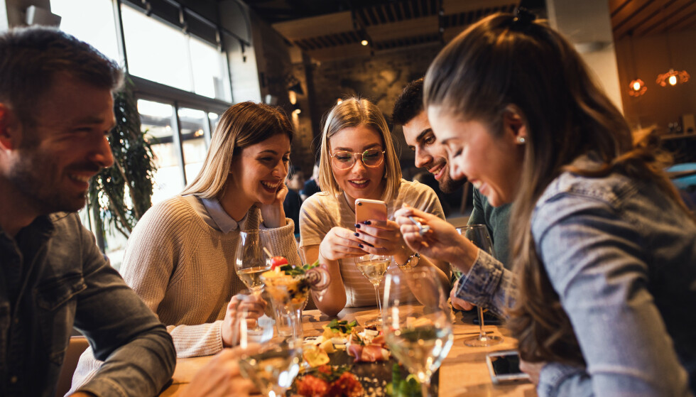 SKIKK OG BRUK: Ikke alle gjester er ilke hyggelige på restaurant, og noen irritasjonsmomenter går igjen. FOTO: NTB