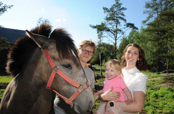 GENERASJONSBOLIG: Sille og Michael bor nå på gård med hans foreldre, hvor de totalrestaurerer. FOTO: Marianne Otterdahl-Jensen
