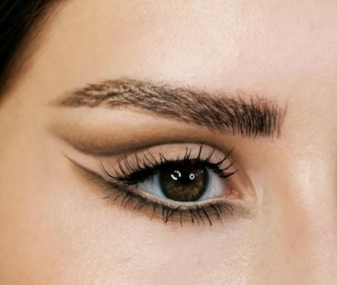 ÅPNER OG FORLENGER: Trenden gir en illusjon om større og lengre øyne - ja, takk! Foto: Ragnhild Margrethe Andersen @rmabeauty