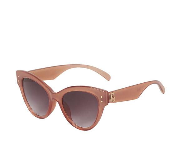 Solbriller (kr 150, H&M).