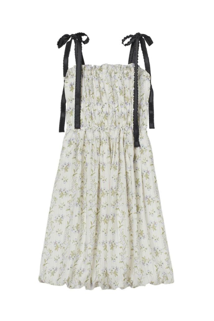 Kjole med knyting (kr 400, H&M).