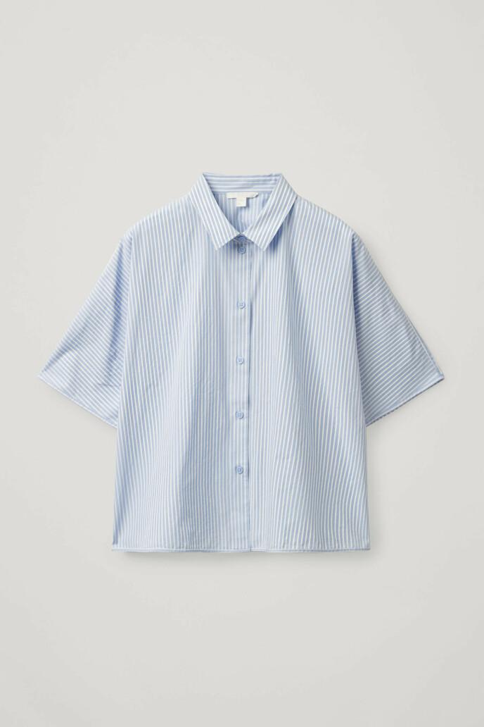 Kortermet skjorte (kr 550, Cos).